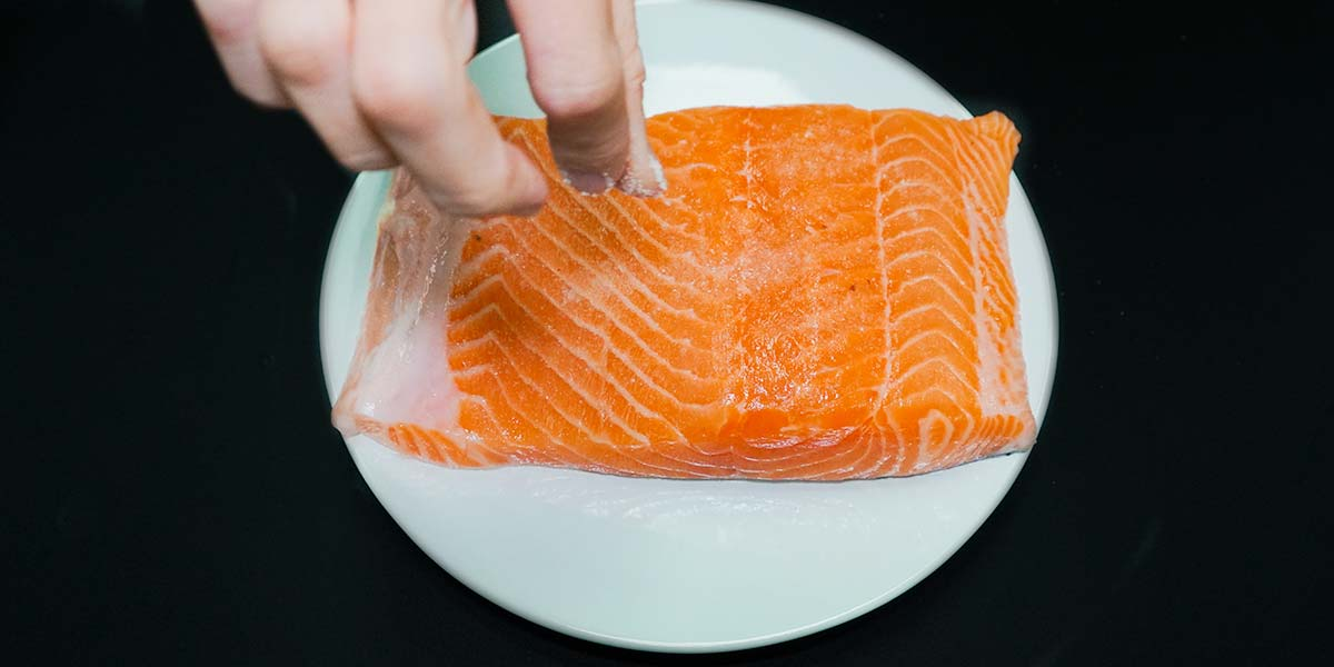 seasoning raw salmon